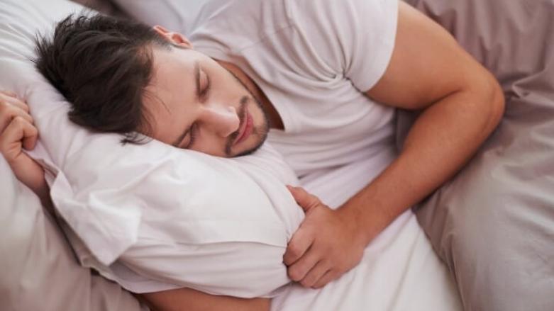 تغذیه چه تأثیری بر کیفیت خواب دارد؟