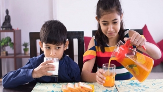 راهنمای والدین برای تقویت استخوانهای کودکان